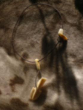 Tuukkq aus Giraffenknochen