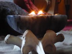 Qulliq / www.tulukkap-anersaava.de / PeterStrauss / bonecarving / Natur /Schamanismus / Amulett / Sp