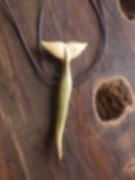 peterstrauss; www.tulukkap-anersaava.de; krafttiere; amulette; schamanismus; knochenschnitzerei; bonecarving; schmuck;