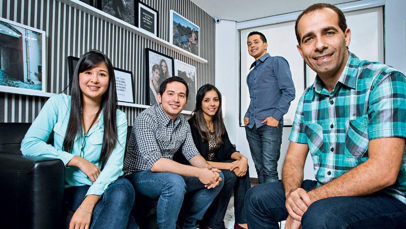 Wilson Lima, diretor de RH, e a turma da Dafiti: em três anos, a empresa brasileira conquistou cinco países e atraiu mais de 660 milhões de reais em investimentos