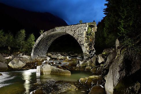 Svýcarský most sloučený web.jpg