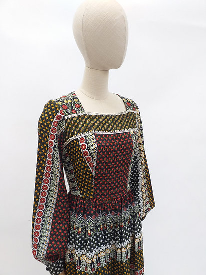 70s Maxi Dress with Square Neckline and Puff Sleeves