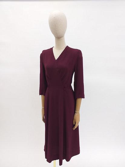 Classic vintage 30s dress in burgundy crepe