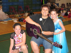 Saras girls 2006.jpg
