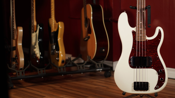 Fender Standard P-Bass