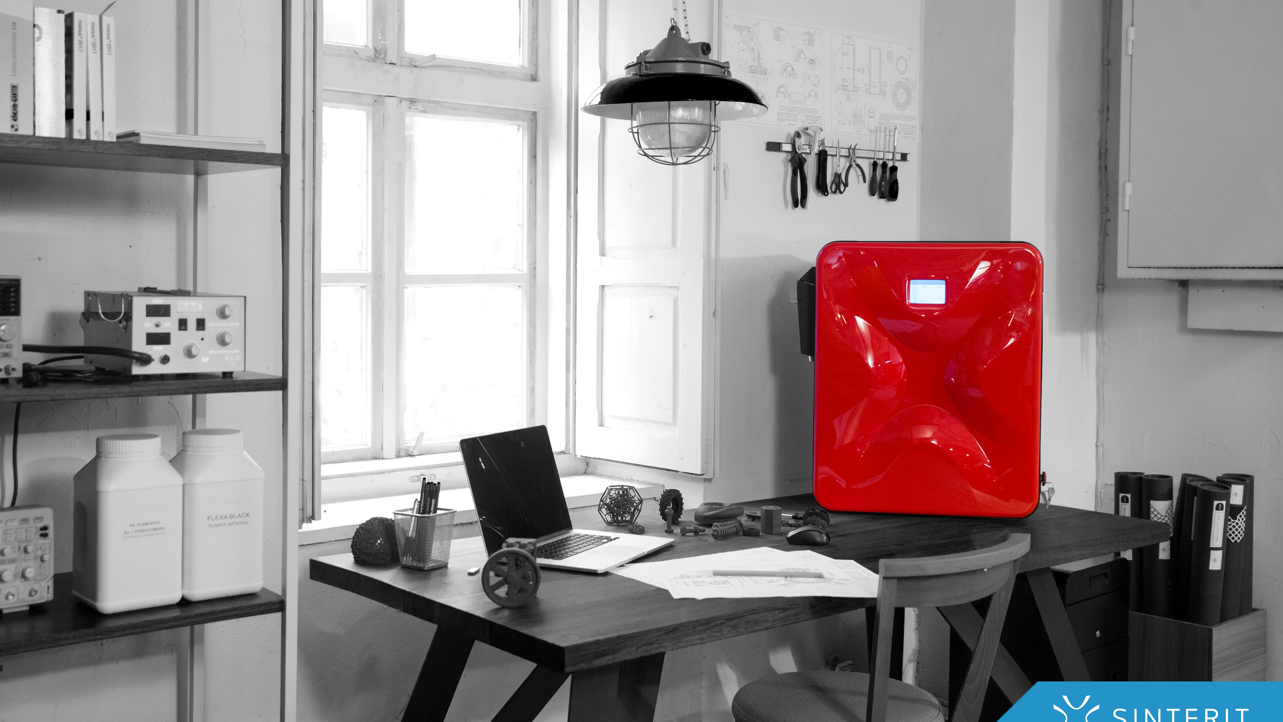 Printer-in-engineer's-office-Sinterit