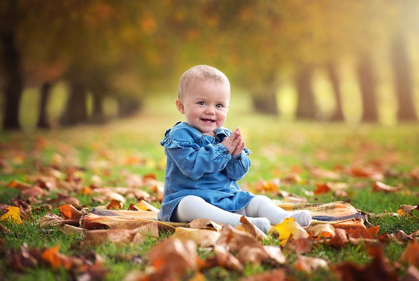 baby-autumn-photoshoot-surrey.jpg