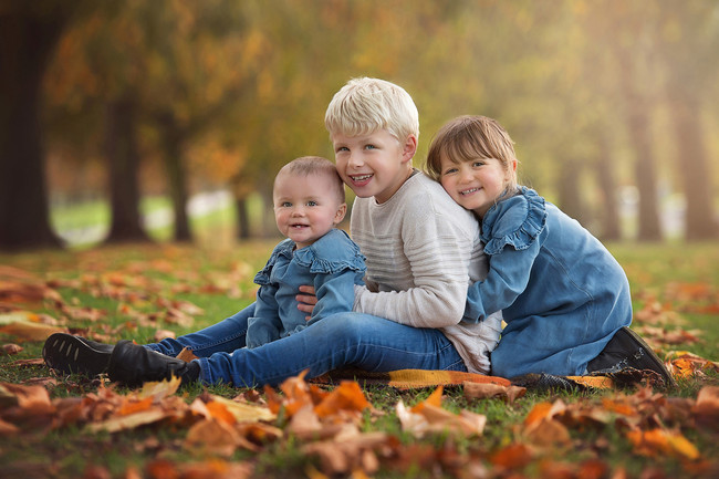 cousins-photoshoot-autumn-surrey.jpg
