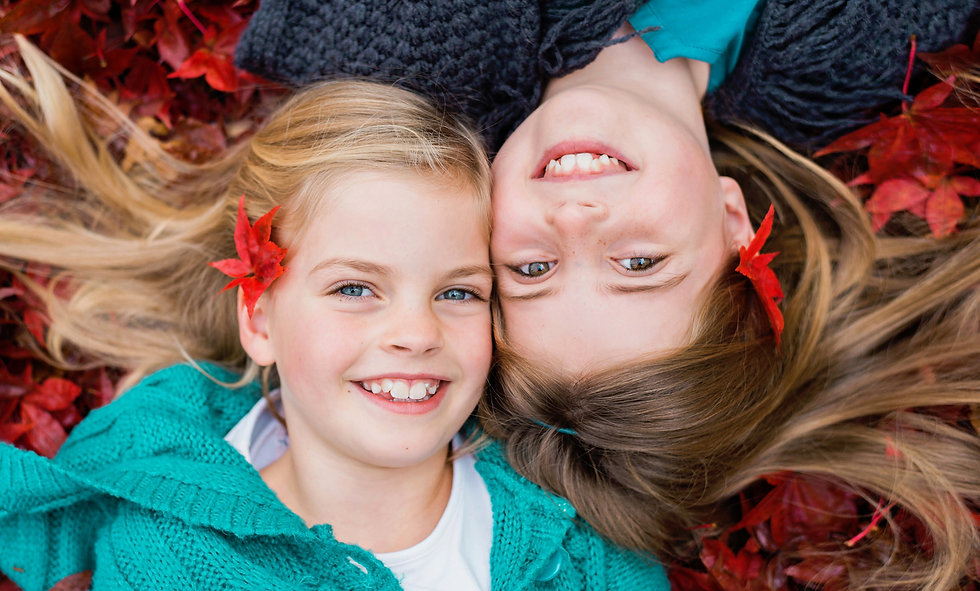 sisters-red-autumn-leaves-family-photosh