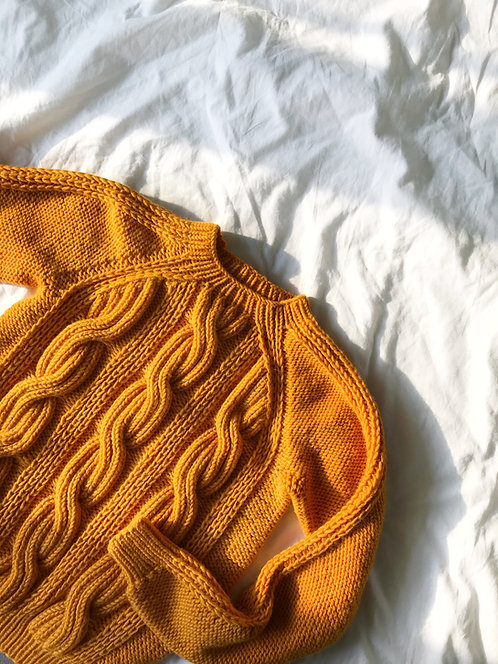 Seamless cable sweater - yellow