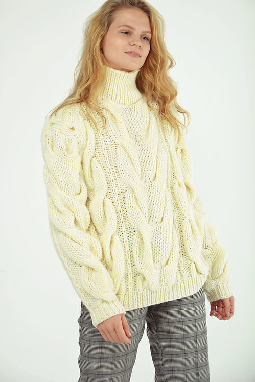 Hight-neck cable sweater-cream