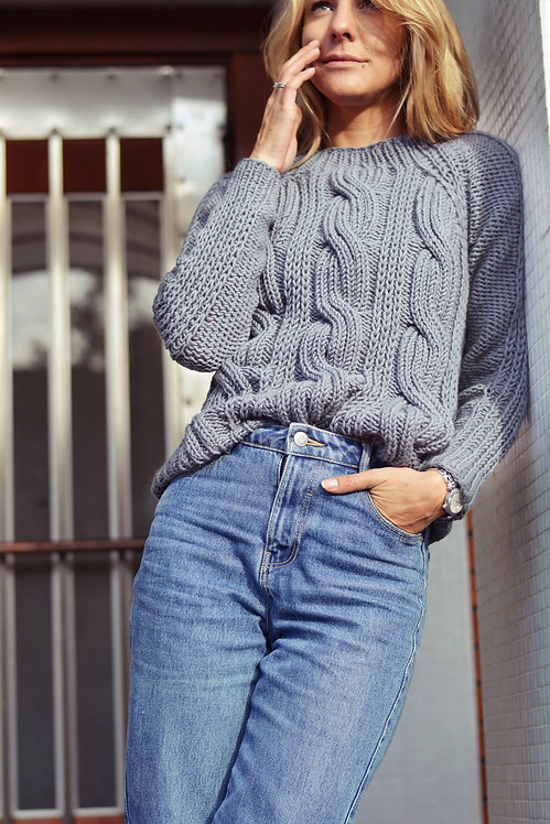 Seamless cable sweater - grey