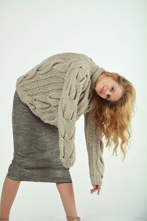 Hight-neck cable sweater-beige