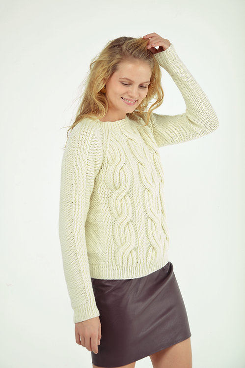 Seamless cable sweater - ivory
