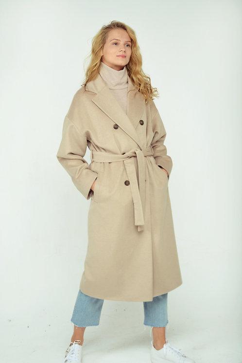 Двубортное пальто беж