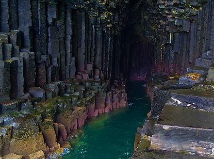 пещера Финглас в Шотландии.jpg