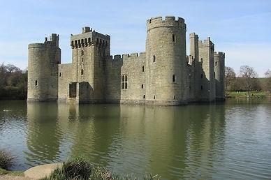 Замок Бодиам, Англия.jpeg