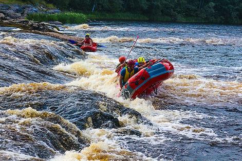 сплав по реке на лодке.jpg