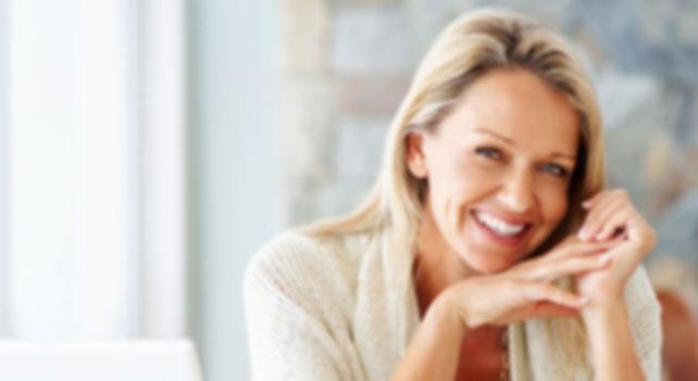 улыбающаяся женщина.jpg