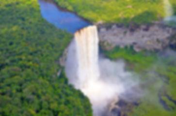 Водопад Кайетур.jpg