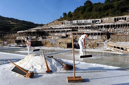 Добыча соли в Испании.jpg