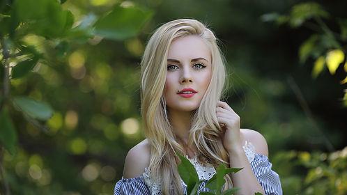 красивая русская девушка.jpg