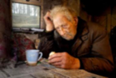 старик в печали, закат жизненного пути