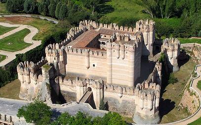 Замок Кастильо де Кока, Испания.jpg