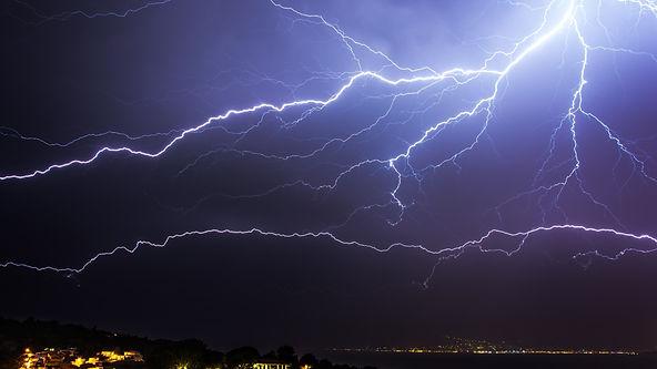 горизонтальная молния.jpg