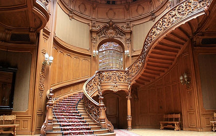 резная дорогая лестница.jpg