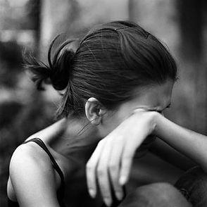 слёзы и обида - чувства человека