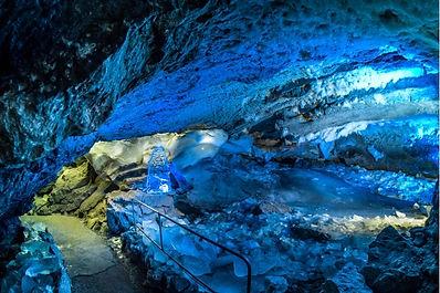 ледяная пещера на Урале.jpg