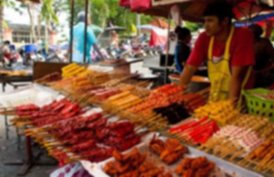 уличный перекус в таиланде.jpg