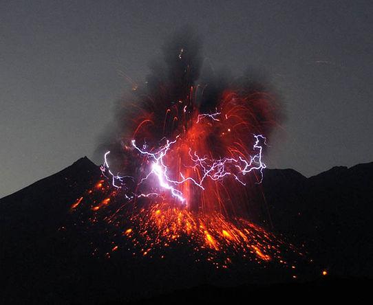 вулканическая молния.jpg