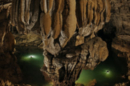 пещера горной реки.jpg