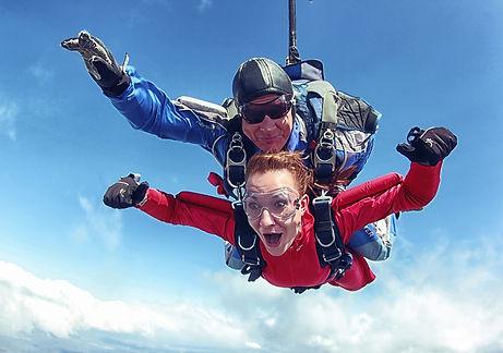 прыжок с парашютом с инструктором.jpg