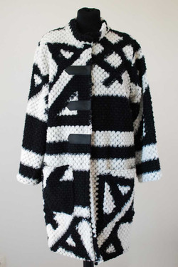 Manteau long noir et blanc