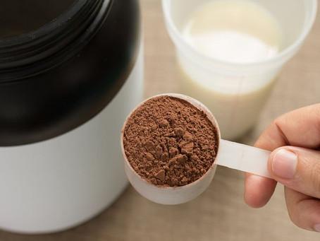 你適合飲蛋白粉減肥嗎?營養師教你揀蛋白粉+拆解副作用、當代餐的正確方法