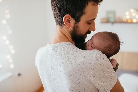 מתפתחים עם אבא - התפתחות ושינה לאבות מעורבים