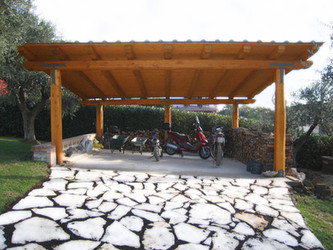 Carport in castagno