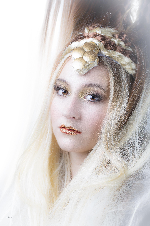 Book Make-up artist pro