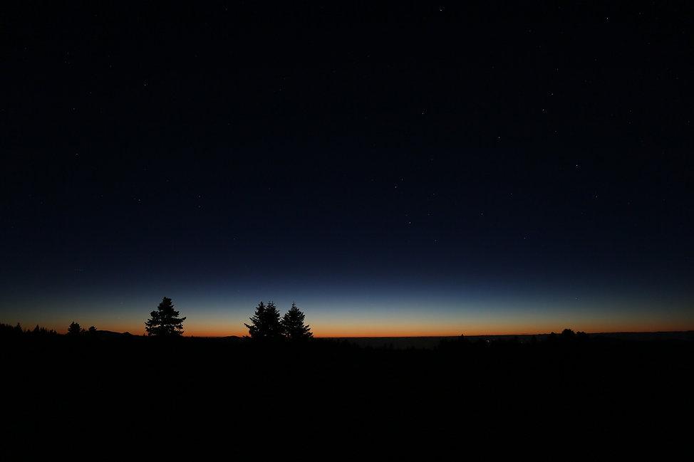 dawn-3606986_1920.jpg