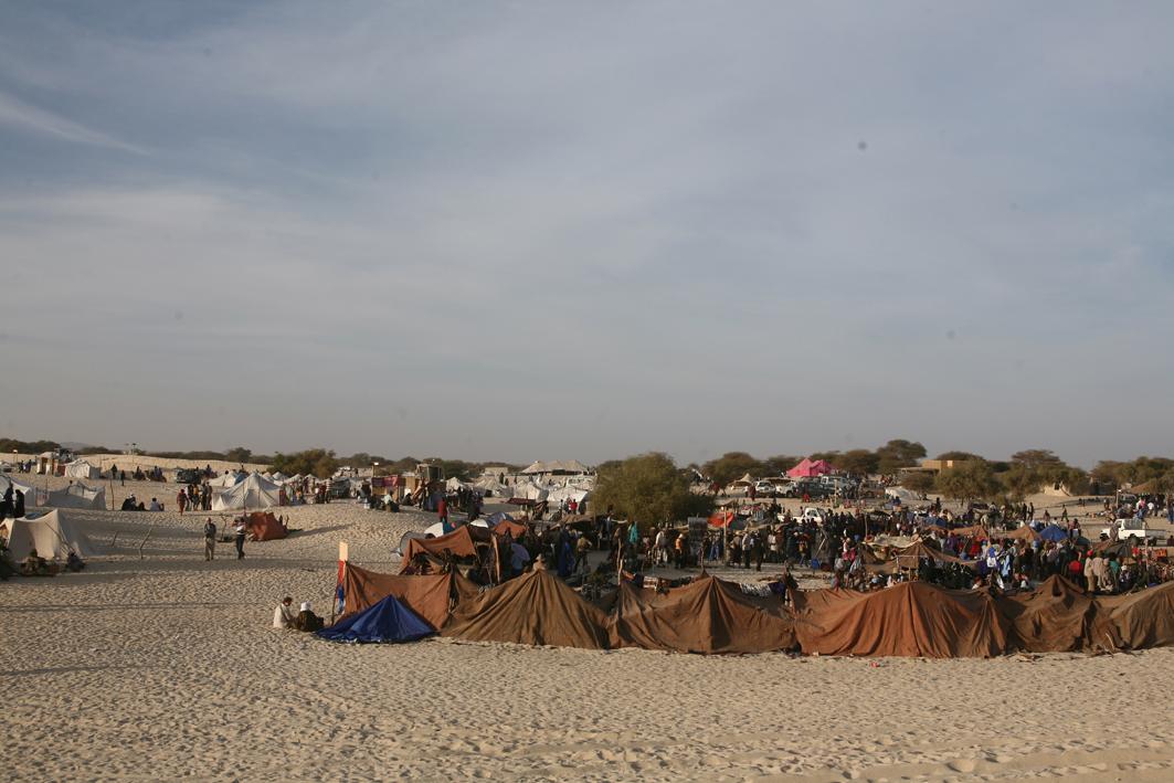 Tents and art market
