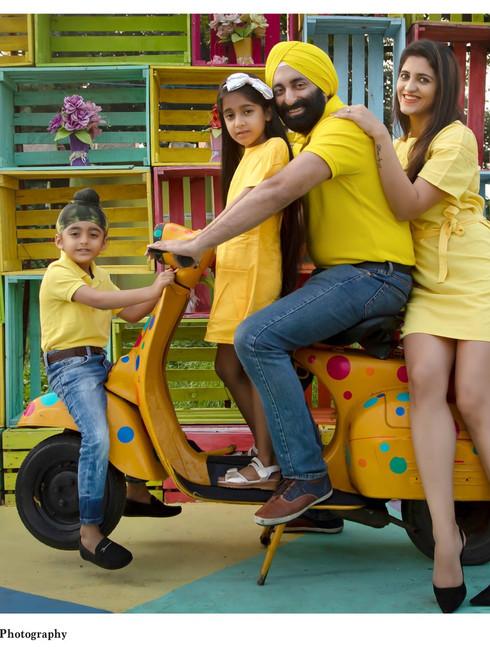 Family Shoot at Colourful Box Set