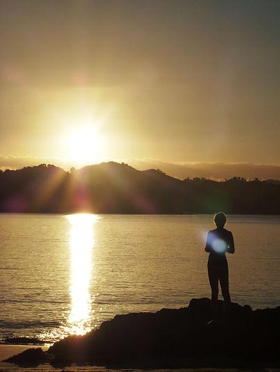 Sunset_with_sun+ray_on_heart.JPG