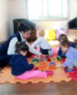 professora, educação infantil, escola, acalento