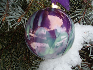 2012 Ornaments in snow 016.jpg