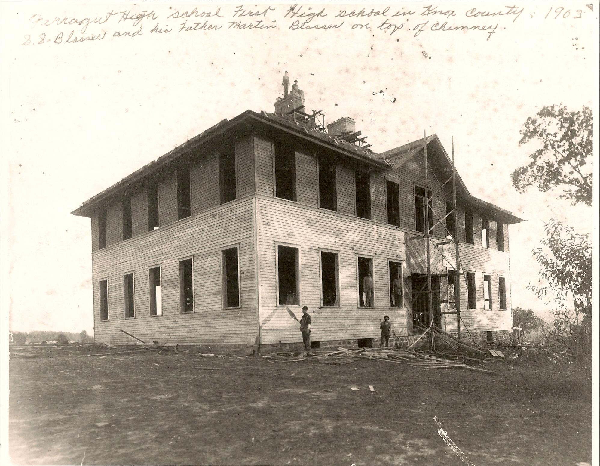 Farragut High School being built 1903