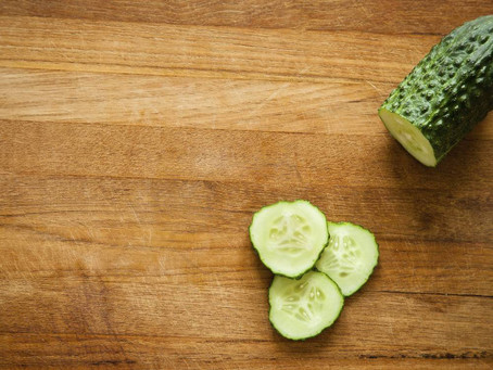 A Mild Headache Reliever Using Cucumber and Spinach Juice + Peppermint Oil