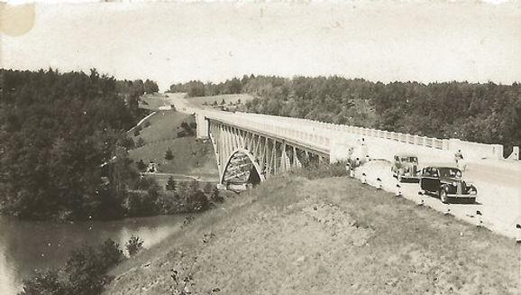 bridgepineriver.jpg